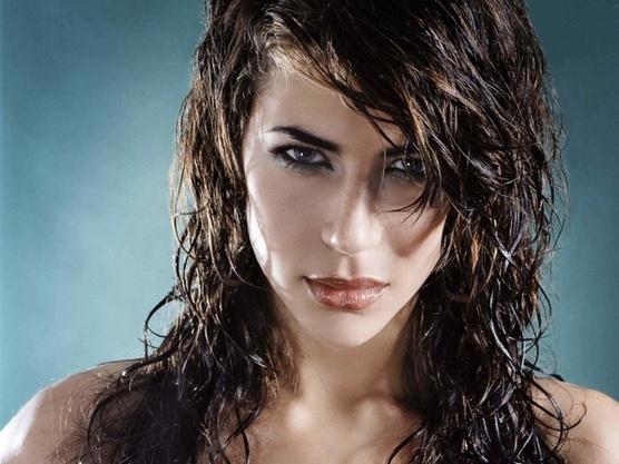 Волосы мокрые