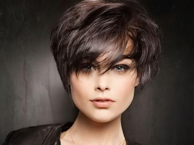 фото стрижки на густые средние волосы