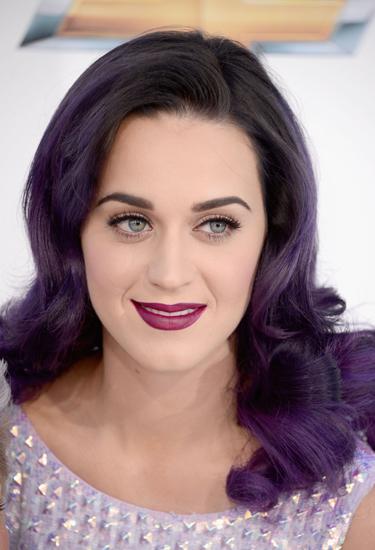 черно фиолетовый цвет волос