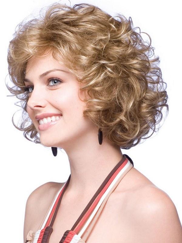 Женские прически для средних волнистых волос