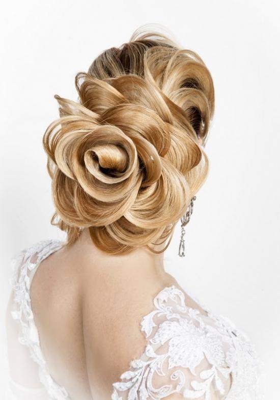 Розы из волос прически фото