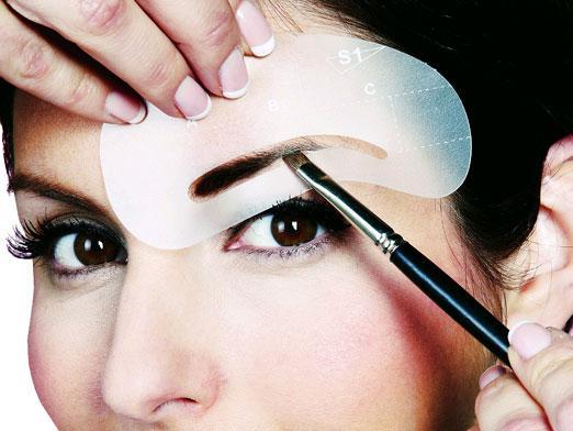 Как правильно красить брови тенями? Что необходимо знать при этом?