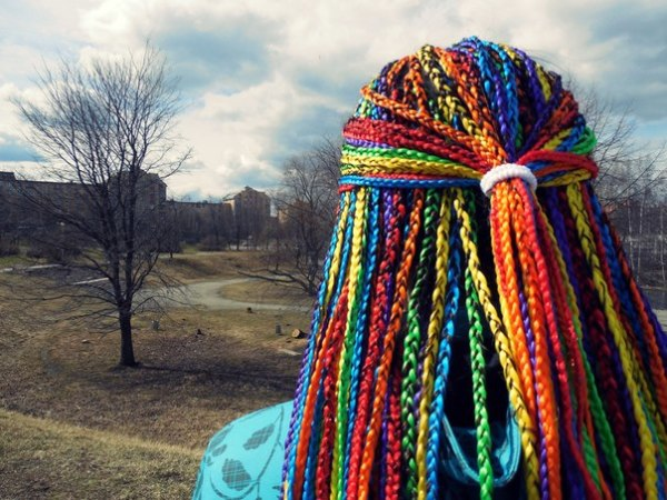 Афрокосы позволят поэкспериментировать с цветом