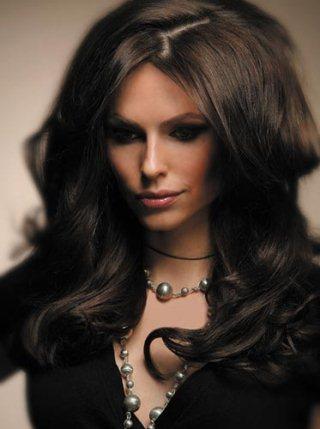 Бигуди липучки для длинных волос способны создать объем и привлекательную небрежность