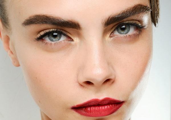 Брови способны кардинально менять внешность, не зря все визажисты и косметологи уделяют им особое внимание