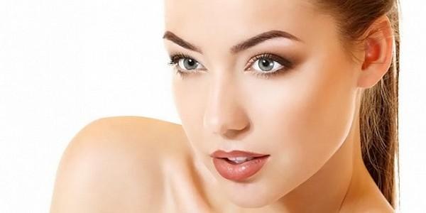 Брови являются самой характерной частью лица и поэтому важно определить их наиболее подходящую форму и цвет