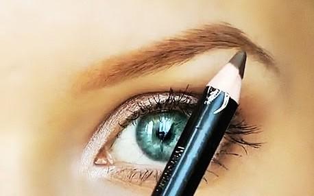 Черный цвет карандаша подходит не всегда и не всем!