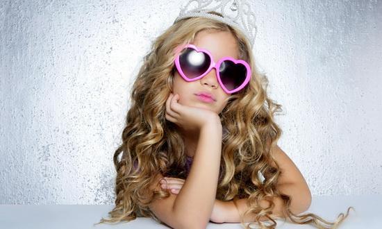 Девочкам нравится чувствовать себя принцессами!