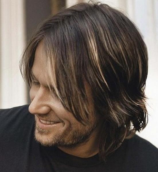 Длинные волосы с челкой, как на фото, подходят практически к любому возрасту