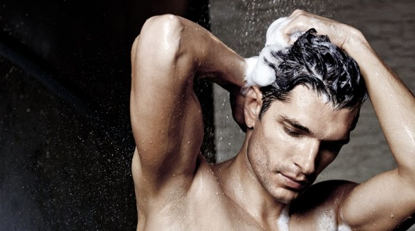 Для мытья гривы правильно подберите шампунь и бальзам