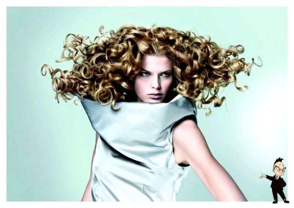 Для накручивания волос используются различные приборы