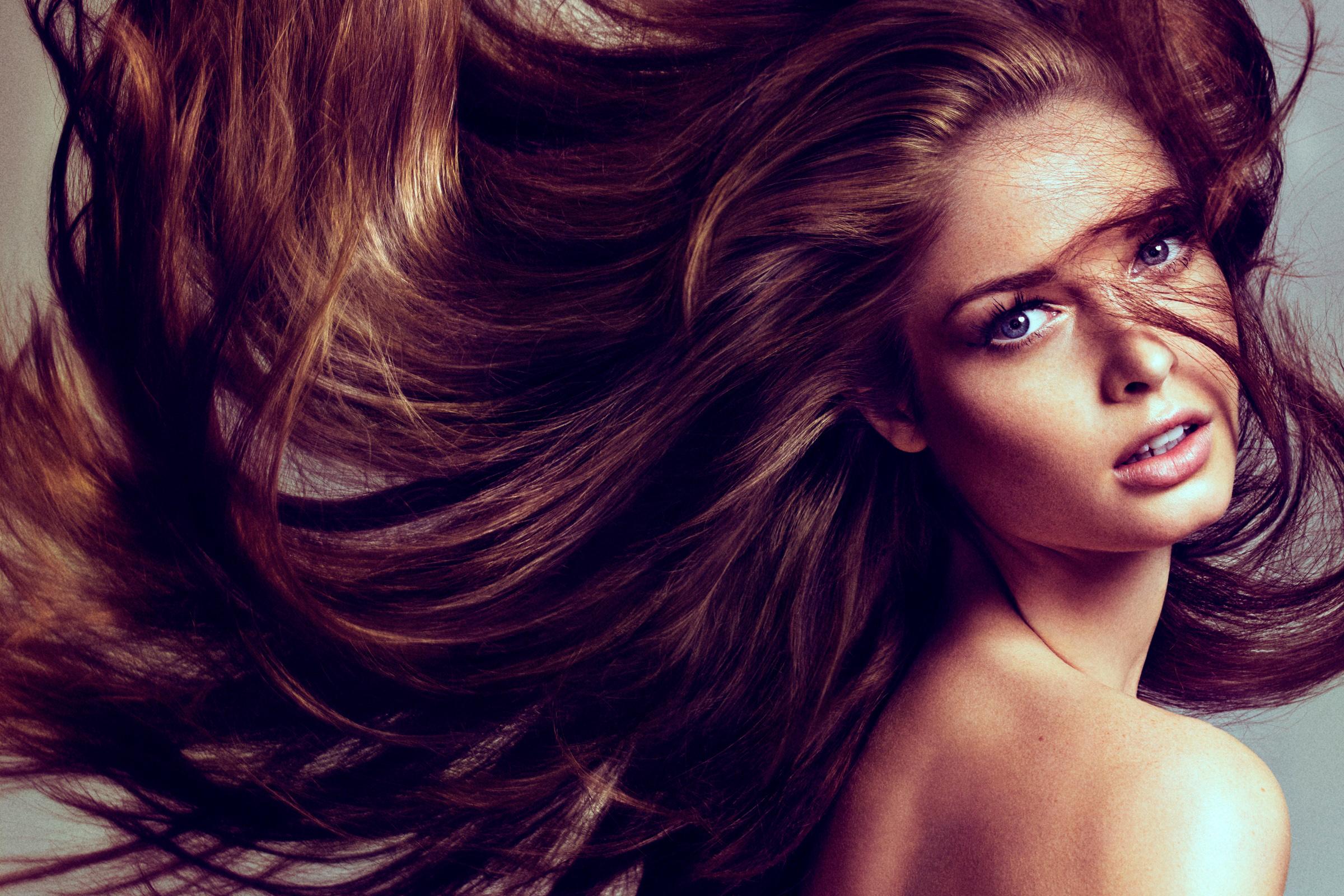 Фото брюнеток с шикарными волосами 13 фотография