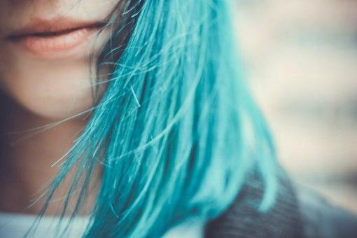 Бирюзовые волосы (36 фото): видео-инструкция по окрашиванию своими руками, какая краска лучше, фото и цена