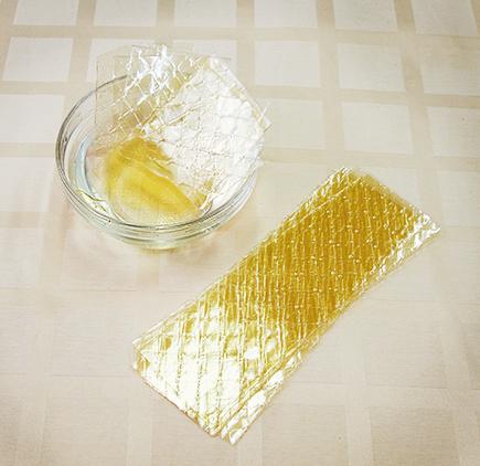 Для проведения сеанса дома, можно использовать натуральный желатиновый состав
