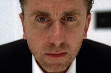 Доктор Лайтман из сериала «Теория лжи» (на фото) по вашим бровям мог бы узнать правду