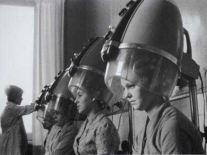 Долгое время советские женщины отдавали предпочтение только горячей завивке