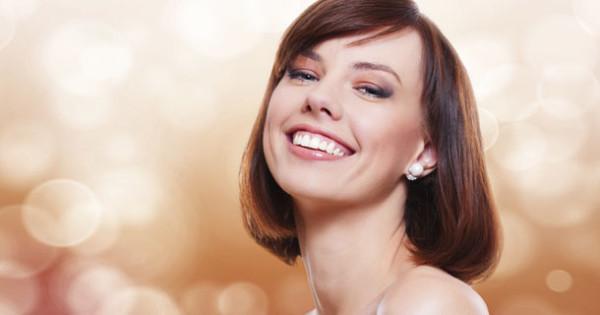 Если хотите, чтобы ваша шевелюра была здоровой и красивой, воспользуйтесь услугой стрижки горячей бритвой