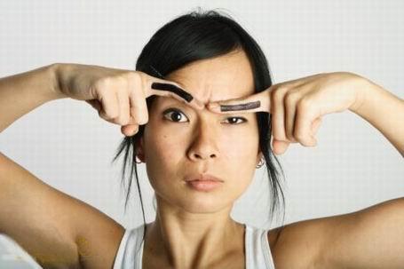 Форма бровей даже может визуально менять взгляд