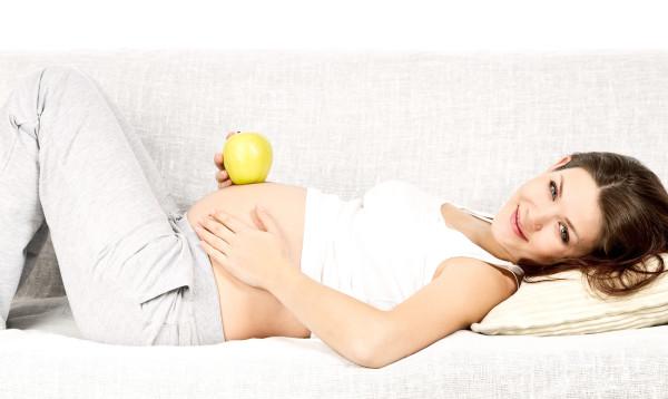 Фото: беременные женщины прекрасны и без перманентного макияжа!