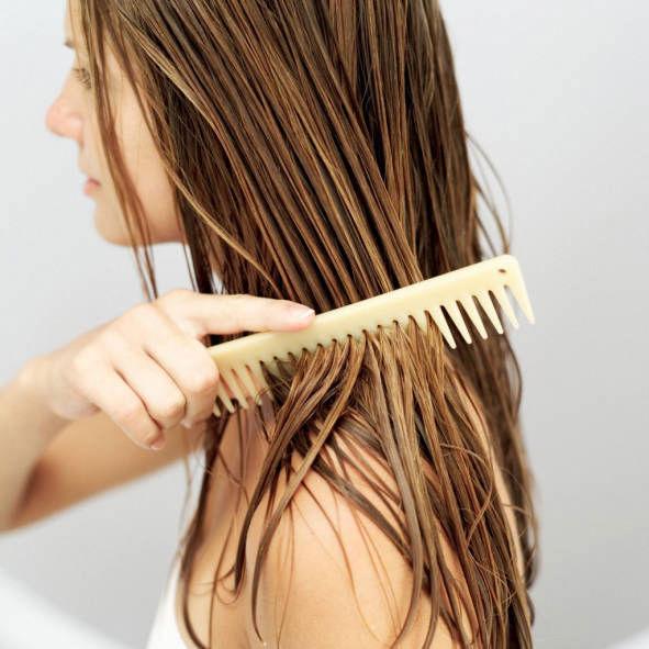 Грубейшая ошибка многих девушек – расчёсывание мокрых волос