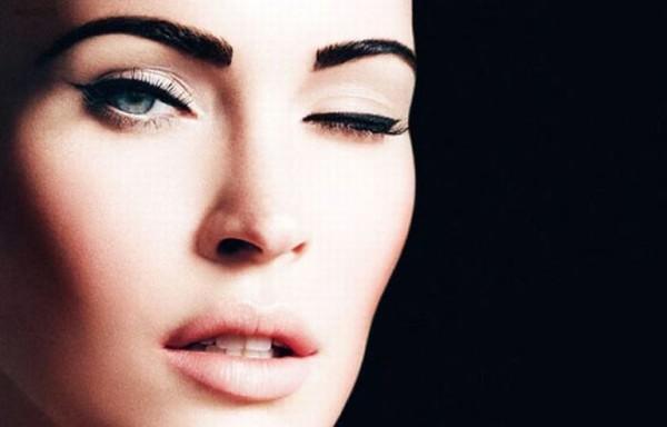 Густые, широкие, но аккуратные брови способны сделать лицо выразительным и сыграть последнюю ноту в симфонии макияжа