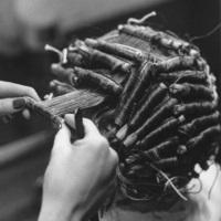 Холодный способ закручивания волос тут же приобрел сумасшедшую популярность