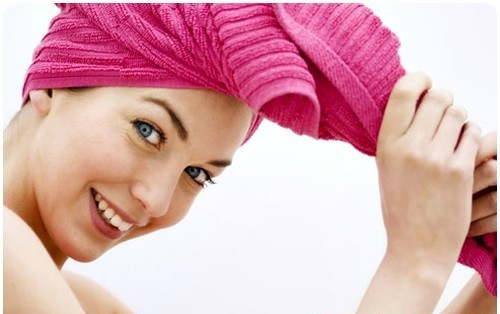 Инструкция по уходу за карвингом запрещает применять к волосам сильное механическое воздействие
