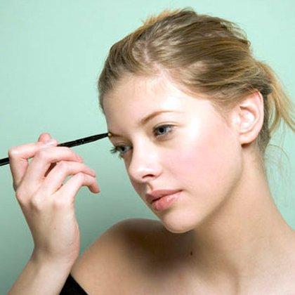 Изменить цвет волосков можно и без помощи мастера из салона