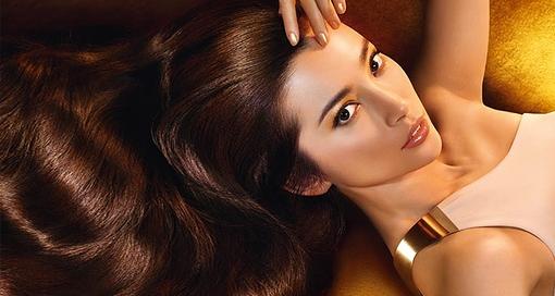 Как в домашних условиях выпрямить волосы кератином – вопрос, который терзает обладательниц сухих, пористых, вьющихся и непослушных локонов