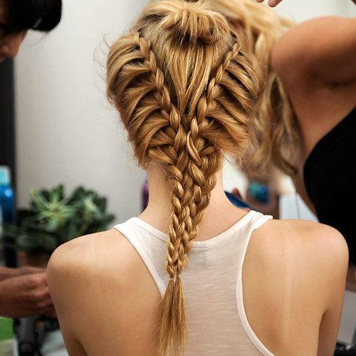 Комбинирование косы и жгутика