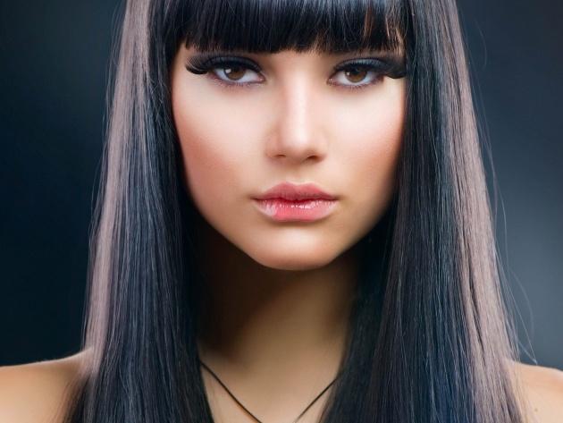красивая стильная стрижка на средние волосы