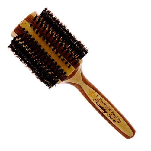 Круглая расчёска – один из самых главных инструментов для создания прямых прядей