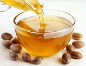 На этом фото марокканское (аргановое) масло