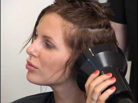 Прическа коротких волос диффузором