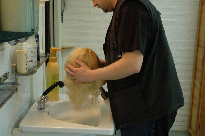 Как убрать с искусственных волос блеск