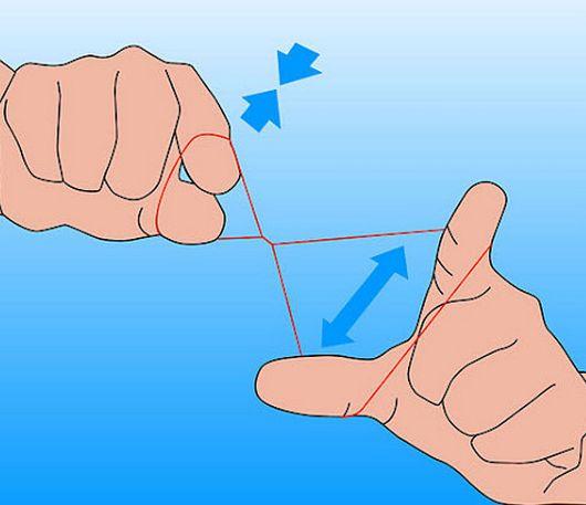 На фото - пример, как нужно захватывать нить