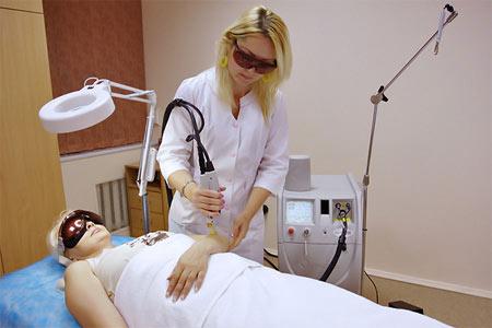 На фото: данный метод идеально подходит для удаления волос на разных участках тела