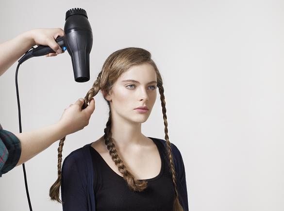 Как создать легкую волнистость волос - Planetarium71.ru