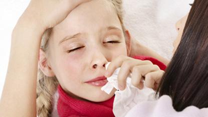 Насморк и повышение температуры – повод обратиться к специалисту