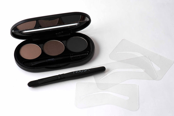 NoUBA Eyebrow Powder Kit для тех, кто еще не знает, как быстро оформить брови своими руками (цена - от 1200 руб.)