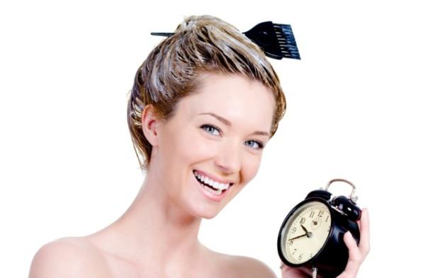 Новый оттенок сделает женщину привлекательней и избавит от седых волос.