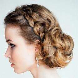 Один из множества примеров удачного сочетания пучка и кос