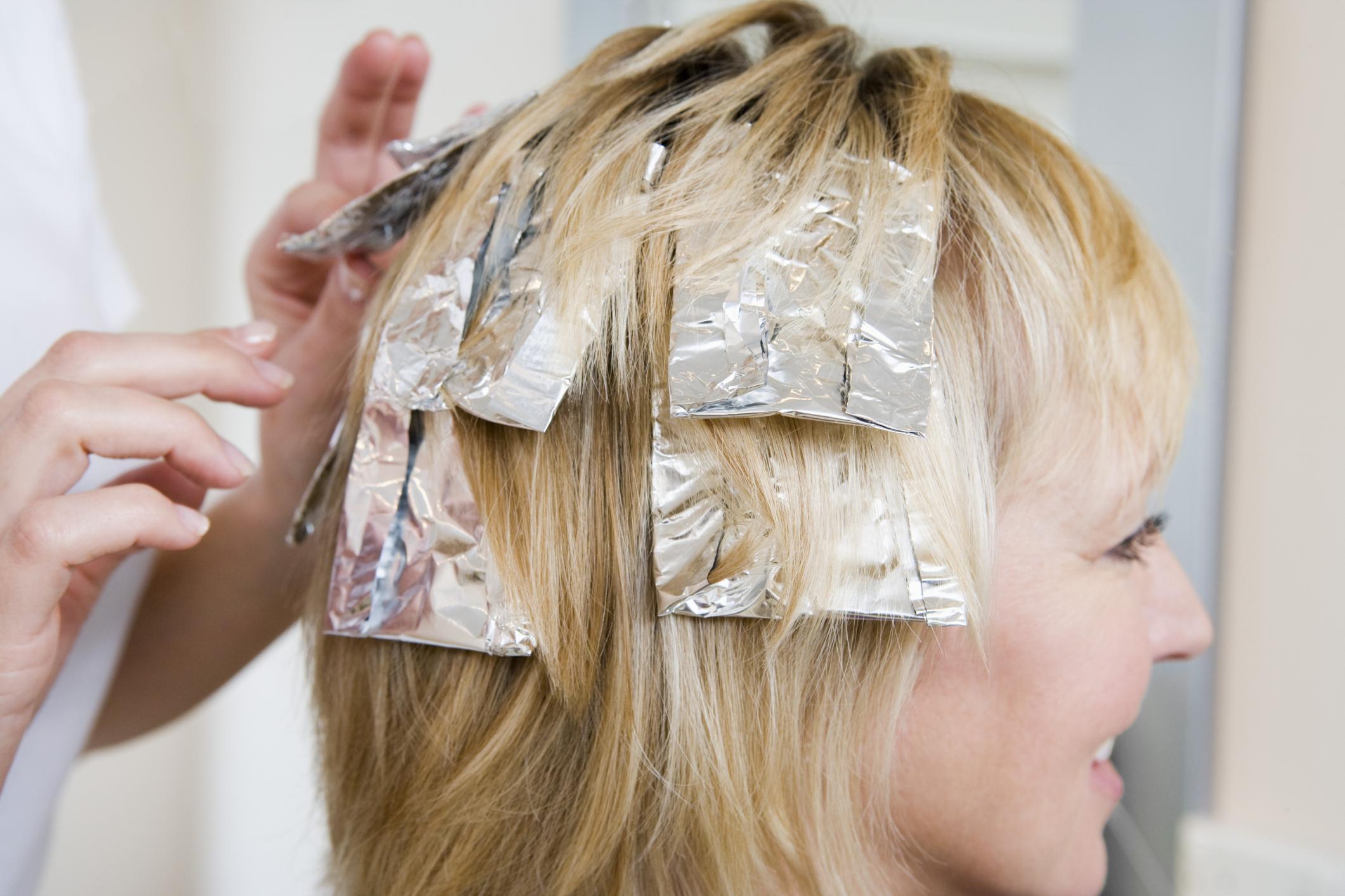 Выбираем краску для мелирования волос в домашних условиях 35