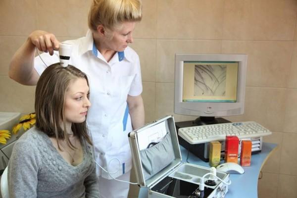 Основа диагностики - процедуры трихоскопии и фототрихографии