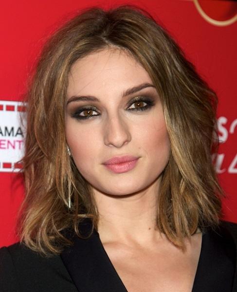 Ответ на вопрос, какие стрижки подходят для тонких волос и квадратного лица