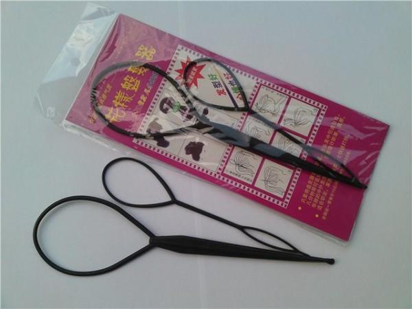 Петлю можно купить в магазине аксессуаров для волос или в косметическом отделе