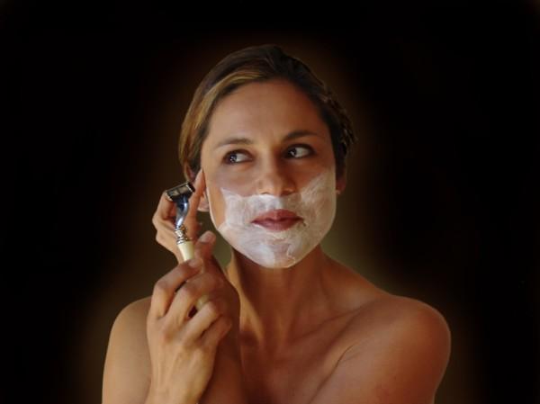 Появление волос на лице – не только неприятный косметический дефект, но и признак серьезного заболевания