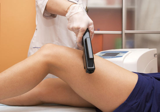 При использовании ультразвука на тело наносится специальный гель