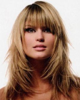 Прическа каскад придает волосам дополнительный объем.