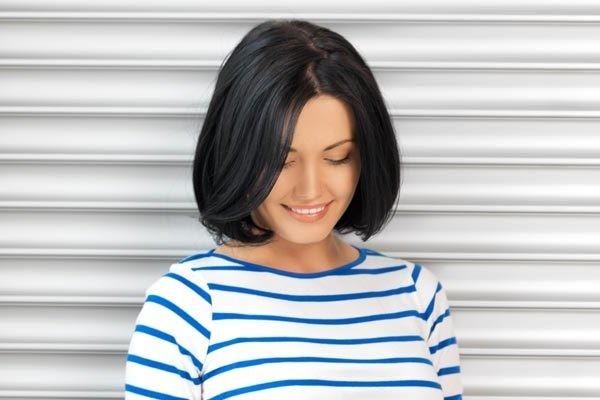 Просто и женственно: классическая стрижка без челки